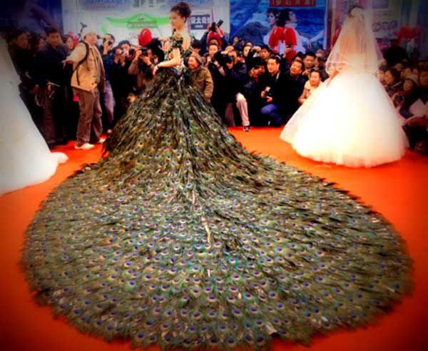 Say No To The Dress – 10 Of The Ugliest Wedding Dresses Ever ...
